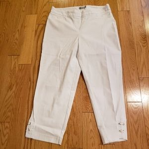 White pull on crops with detail on bottom - Sz 14w